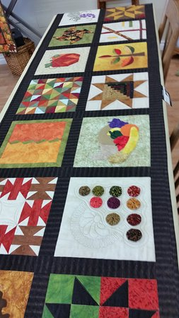 New Hamburg, Kanada: quilt made from July Shop Hop blocks