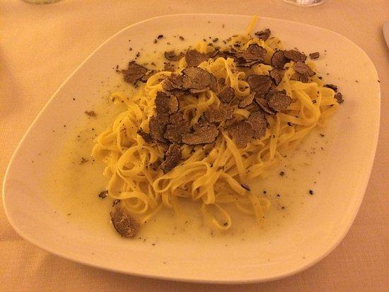 Taverna del Lupo: Tagliatelle Con Tartufo