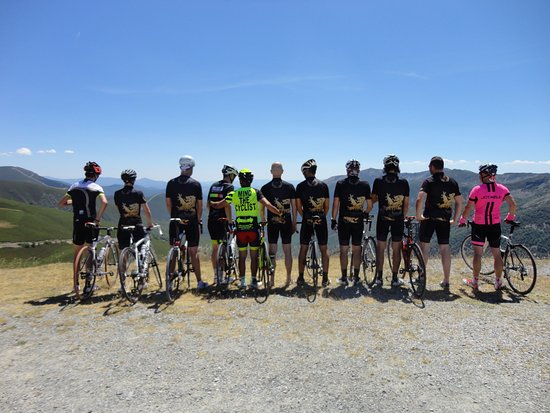 As Nogais, Spain: Vista panoramicas de los Ancares