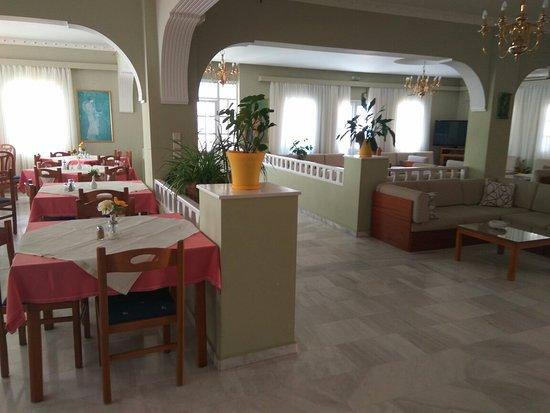 Karterádhos, Grecia: Lounge n swimming area