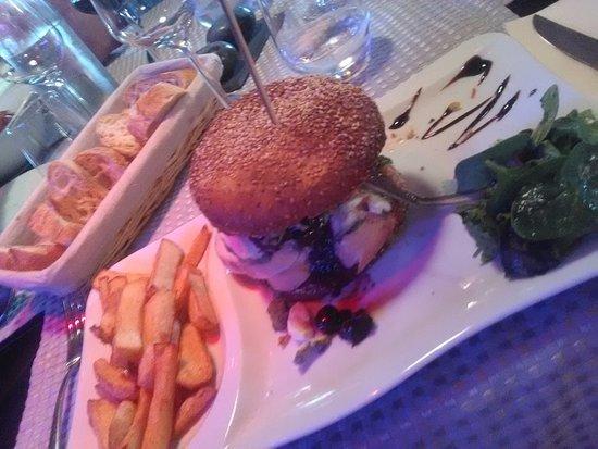 Ballan Mire, Prancis: Le burger