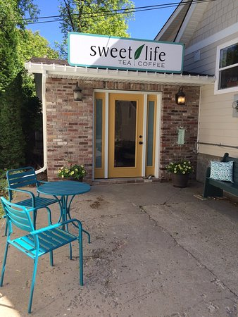Steinbach, Canada : The perfect place to find your loose leaf tea and locally roasted coffee!