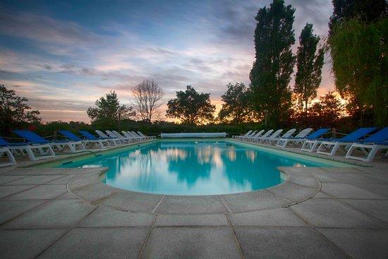Suno, Italia: amazing pool at sunset