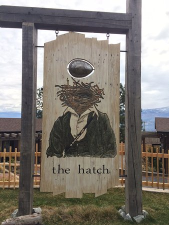 West Kelowna, Kanada: The Hatch Winery's Sign