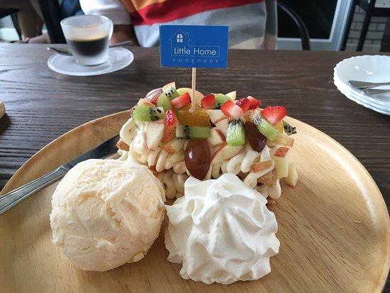 Nakhon Phanom, Thailand: ขนมหวานแสนอร่อย