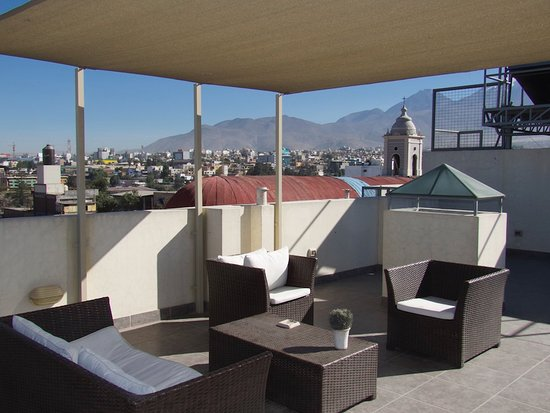Los Tambos: The roof deck