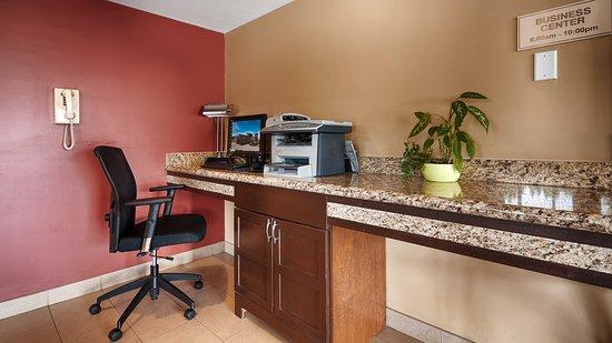 Best Western Maple Ridge Hotel: Business Center