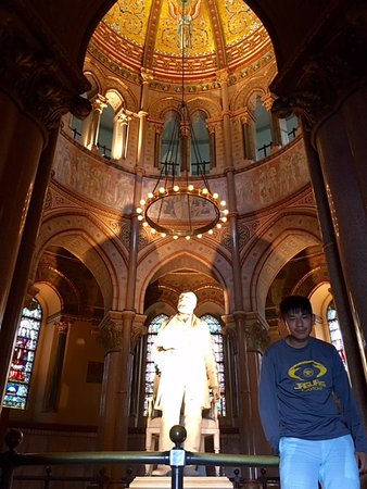 James A. Garfield Monument : Awesome statue