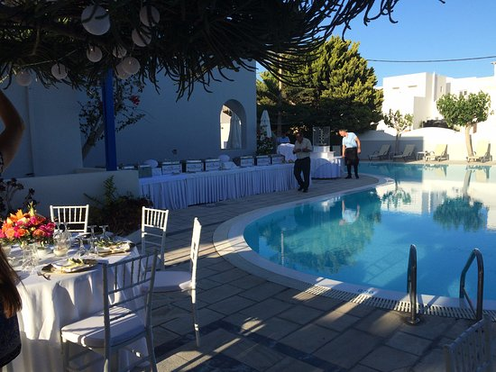 Hotel Hippocampus: Swedish wedding dinner by the pool .. Feel almost like home ..