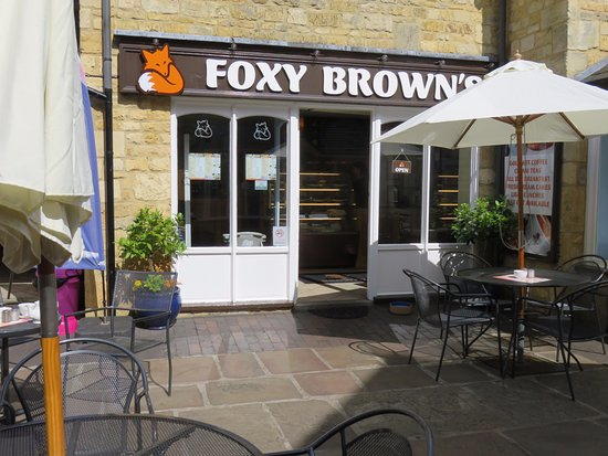 Foxy Browns: cafe front