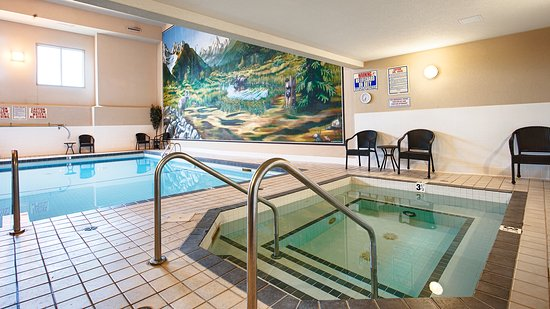 Best Western Plus Prestige Inn Radium Hot Springs: Indoor Pool and Hot Tub