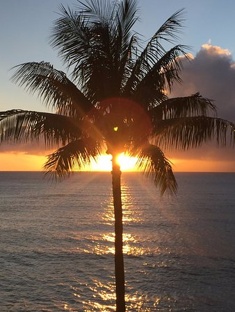 Valley Isle Resort: Perfect Sunset from the Lanai