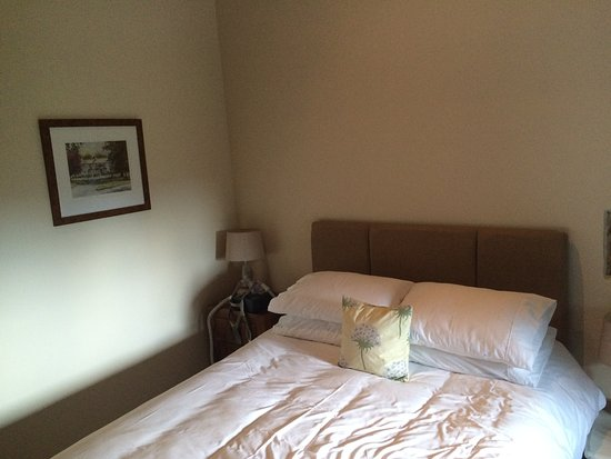 Grewelthorpe, UK: Lovely king size bed. Wanted to take it home