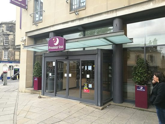Premier Inn Edinburgh Central (Lauriston Place) Hotel: IMG_20160805_192332_large.jpg