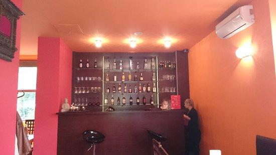Kathmandu Restaurant : Empfangs-Bar