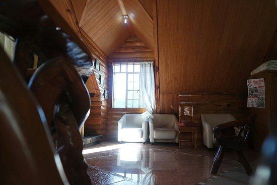 Kabayan, Filipina: Pinecone Lodge and Restaurant