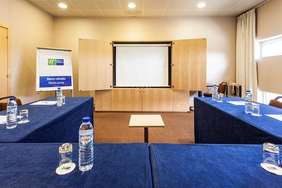 Holiday Inn Express Lisbon Oeiras: Meeting Room
