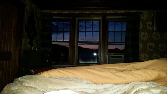 The Mountain Top Inn & Resort: 20160803_050523_large.jpg