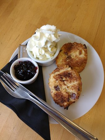 La Cremeria: GF scone with whipped cream and blueberry jam