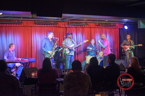 Biscuits & Blues: 11x Grammy winning vocalist Tony Lindsay