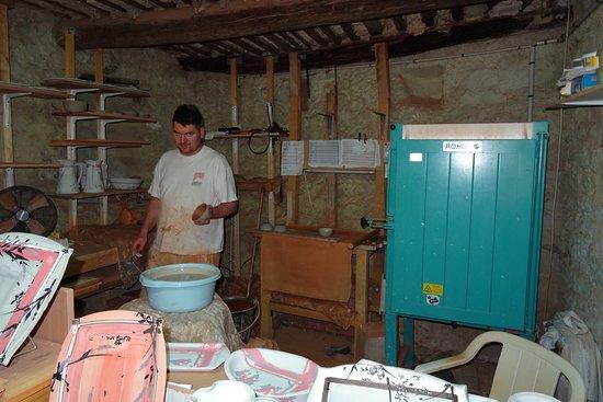 poterie elemenTerre: L'artisan au travail!