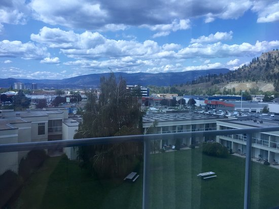 Best Western Plus Kelowna Hotel & Suites: photo2.jpg