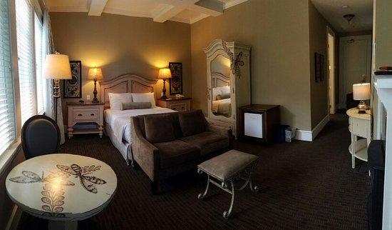 Rosewood Victoria Inn: 20160714_171818_large.jpg