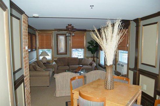 The Ocean View Inn: Executive Suite
