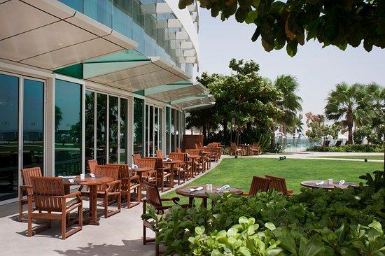 Crowne Plaza Dubai Festival City: Guest patio and Zaytoun restaurant terrace