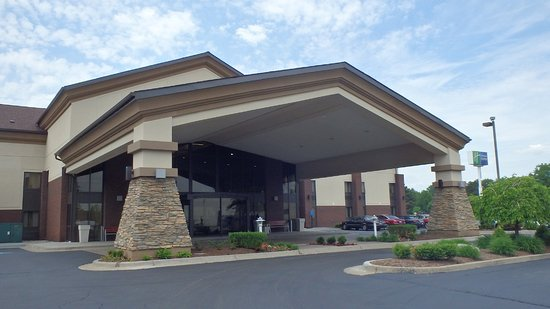 Holiday Inn Express Warren