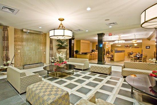 Holiday Inn Winter Haven: Hotel Lobby