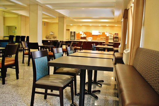 Holiday Inn Express Hotel & Suites Los Angeles Airport Hawthorne: Restaurant