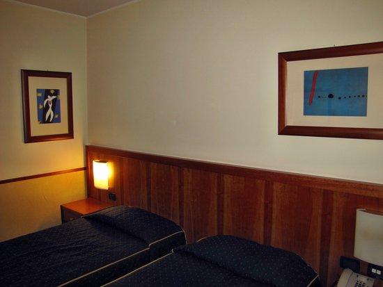 Pacific Hotel Fortino Photo