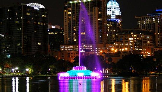Crowne Plaza Orlando Downtown : Beautiful Lake Eola