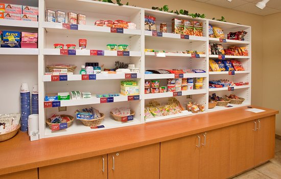 Candlewood Suites: Candlewood Cupboard