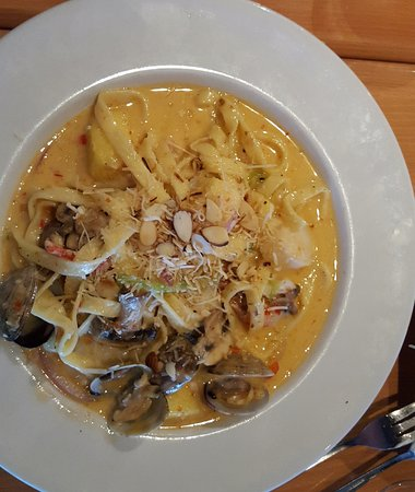 T Paul's Supper Club: Island Goddess Fettuccine