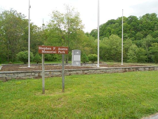 Austinville, VA: Stephen F. Austin Memorial Park