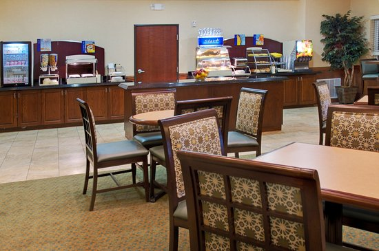 Holiday Inn Express Lufkin South: Breakfast Area