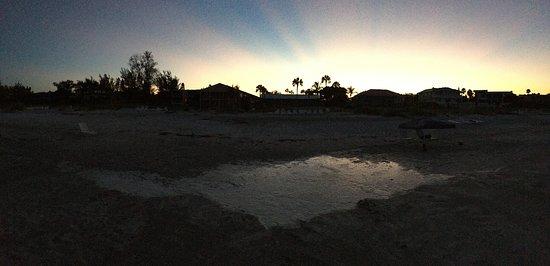 Silver Sands Gulf Beach Resort : Sunrise