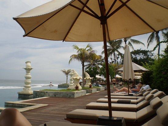 The Seminyak Beach Resort & Spa Photo