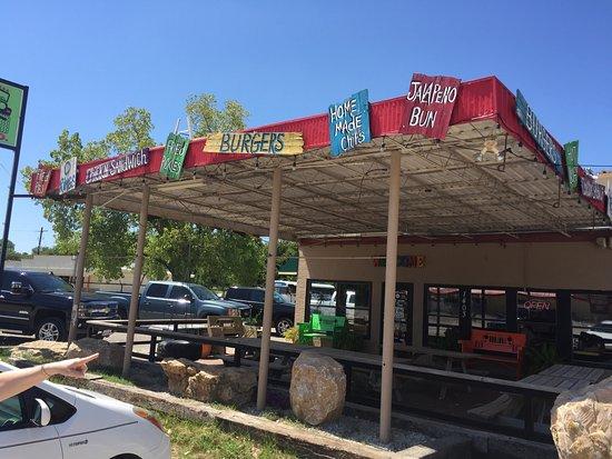 Bridgeport, TX: Outdoor dining