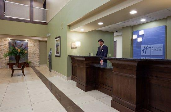 Verona, WI: Hotel Front Desk