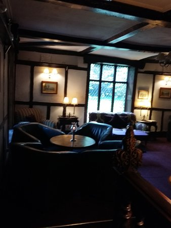 Maesmawr Hall Hotel: bar area where bar meals are available