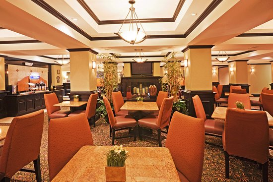 Holiday Inn Express Hotel & Suites Durant: Breakfast Area