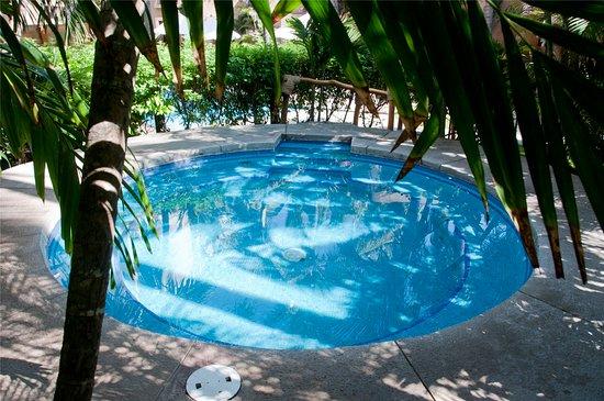 Villas El Rancho Green Resort: Jacuzzi