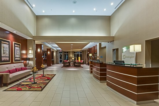 Holiday Inn Ft. Myers Airport-Town Center: Step into our stylish Lobby