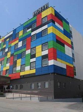 Photo of Hotel Riscal Lumbreras
