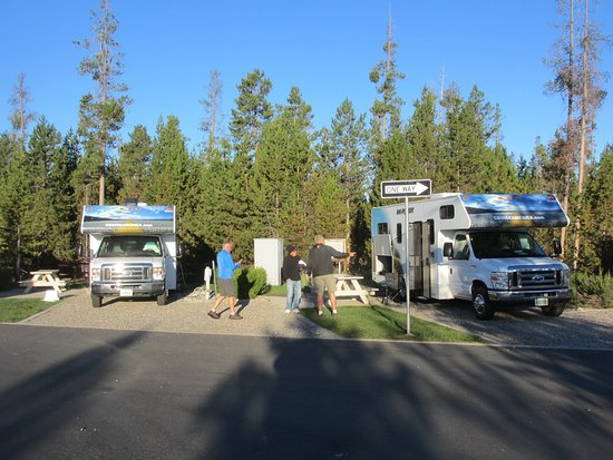 Yellowstone Grizzly RV Park: our 2 sites
