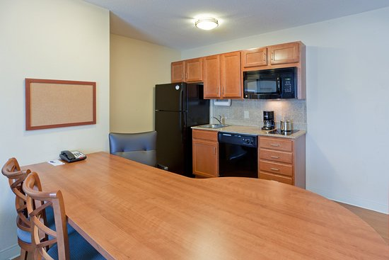 Candlewood Suites Manassas : Suite Kitchen