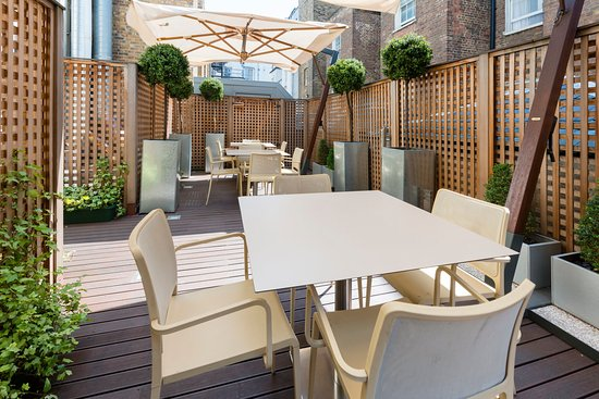 Hotel Indigo London-Paddington: Get some fresh air and eat alfresco in our courtyard